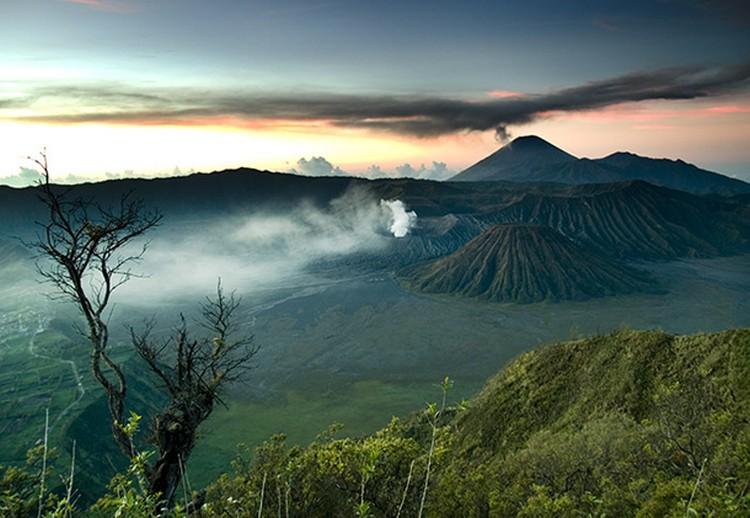 27 Beautiful Sunsets - Mount Bromo, Indonesia.