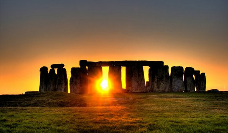 27 Beautiful Sunsets - Stonehenge in Wiltshire, England.