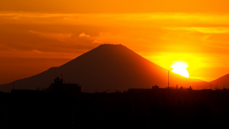 27 Beautiful Sunsets - Mount Fuji, Japan.