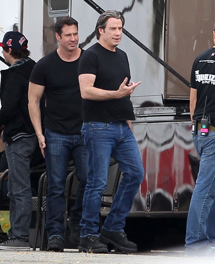 19 Famous Actors and Their Stunt Doubles - John Travolta.