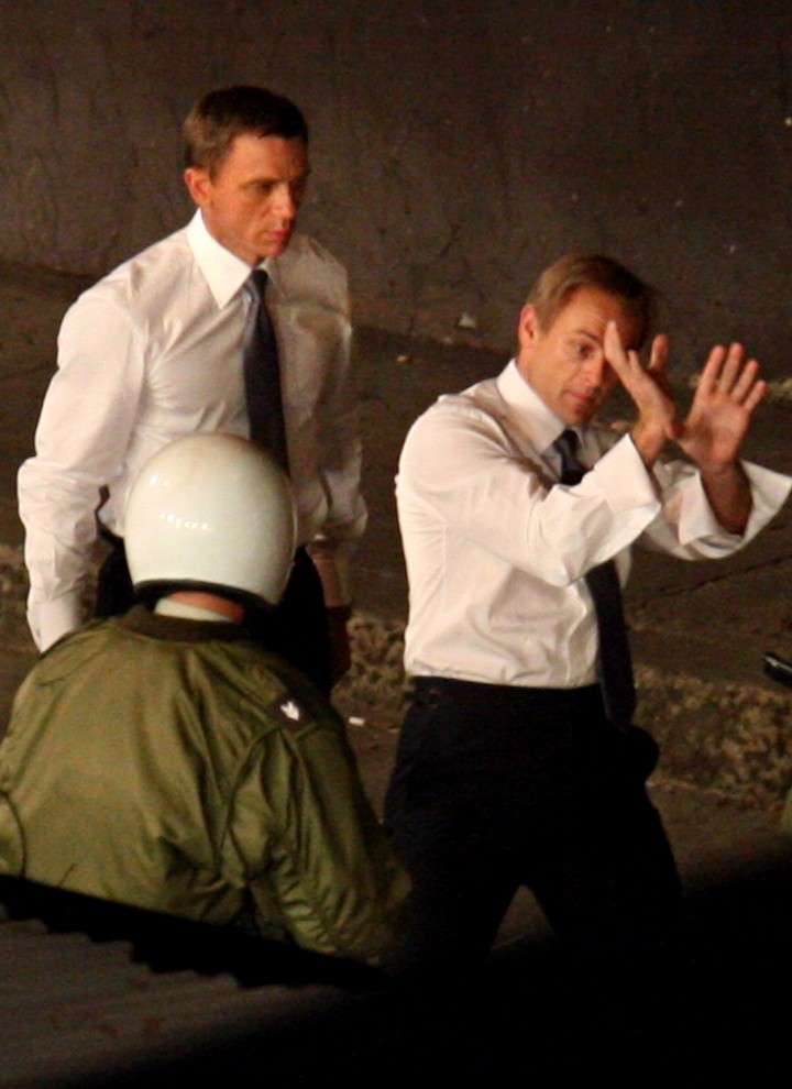 19 Famous Actors and Their Stunt Doubles - Daniel Craig.