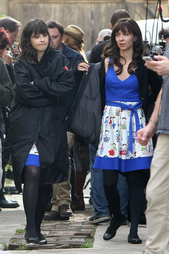 19 Famous Actors and Their Stunt Doubles - Zooey Deschanel.