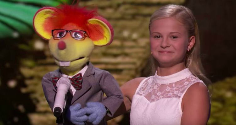 Darci Lynne performs Jackson 5's 'Who's Lovin' You' with 'Oscar' at America's Got Talent 2017.
