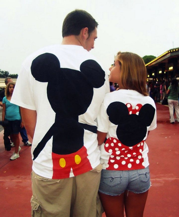 17 Couples T-Shirts - Mickey and Minnie holding hands.
