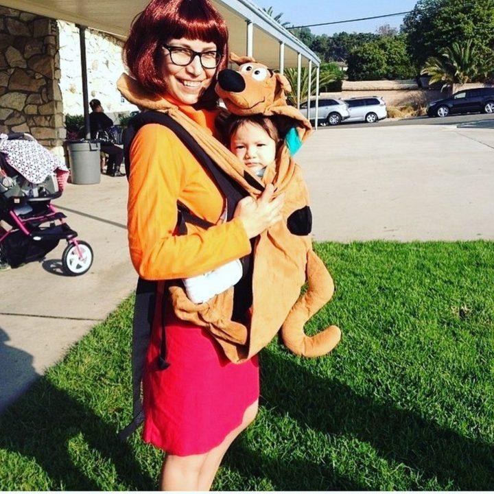 17 Funny Halloween Costumes for Babies - Velma Dinkley andScooby-Doo costume.