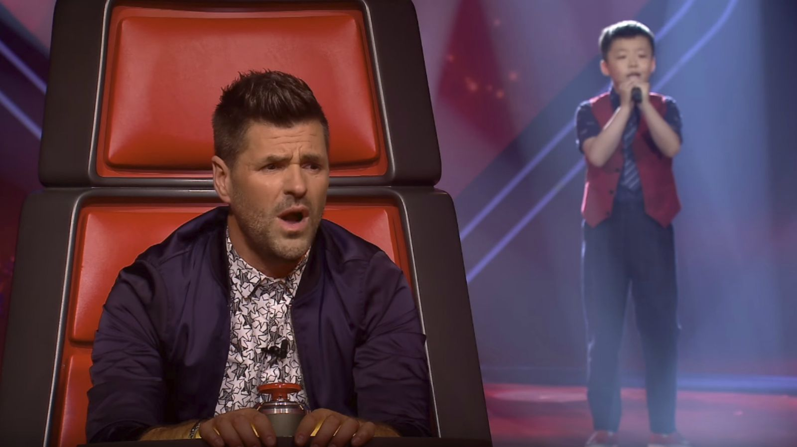 12-Year-Old Jeffrey Li Performs on French Version of 'The Voice' and Leaves Judges Speechless
