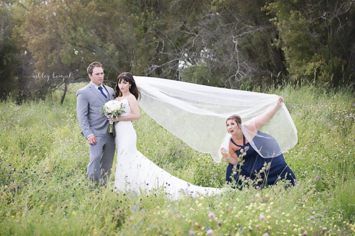 She brings wedding photobombs to an entirely new level.