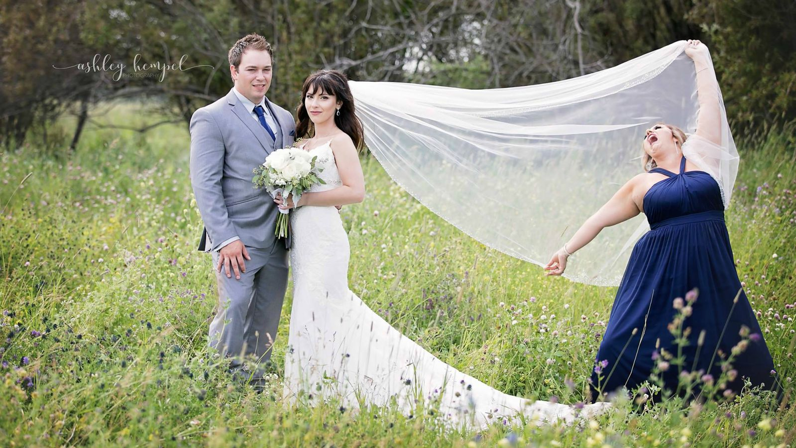Maid of Honor Photobombs Wedding Photos in the Most Hilarious Way.