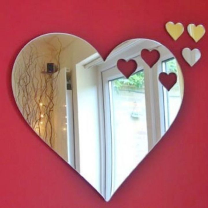 21 Unique Valentine's Day Gifts - Heart shaped mirror.
