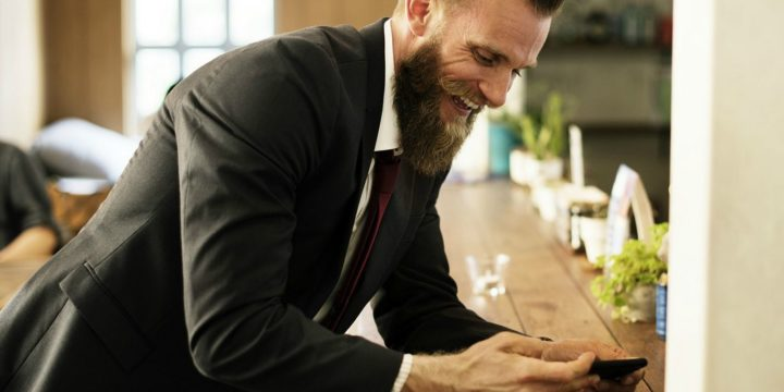 How to Grow a Beard in 9 Steps - Keep it combed.