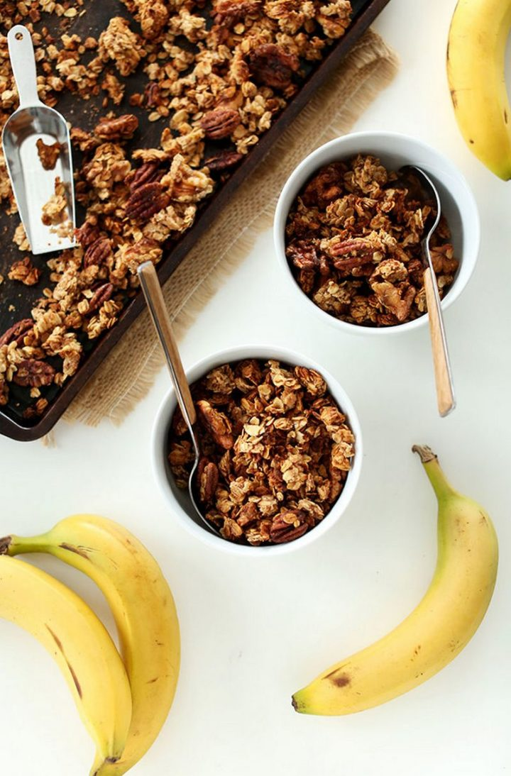 15 Easy Banana Bread Recipes - Banana Bread Granola.