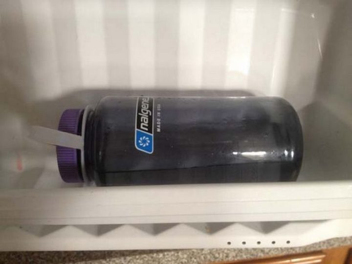 17 Kitchen Hacks - Fill your water bottle halfway and store it in the freezer on it's side for quick ice water.
