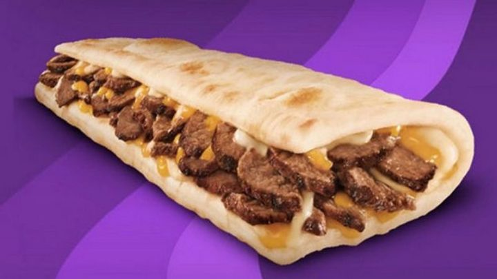 12 Fast Food Items You Should Never Order - Taco Bell Beans and Steak