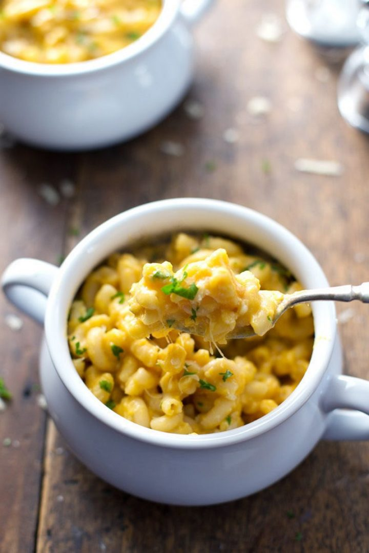 25 Healthy and Delicious Vegetarian Recipes - Healthy Butternut Squash Mac 'n' Cheese.