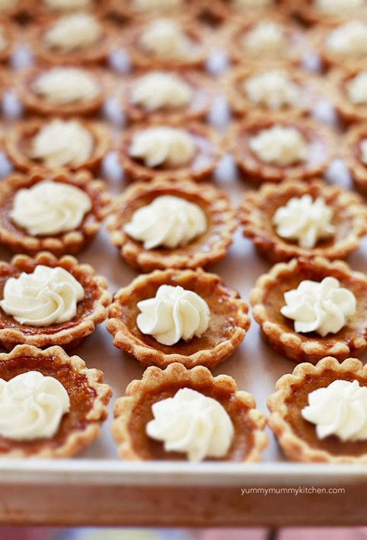 27 Pumpkin Pie Recipes - Mini Pumpkin Pie.