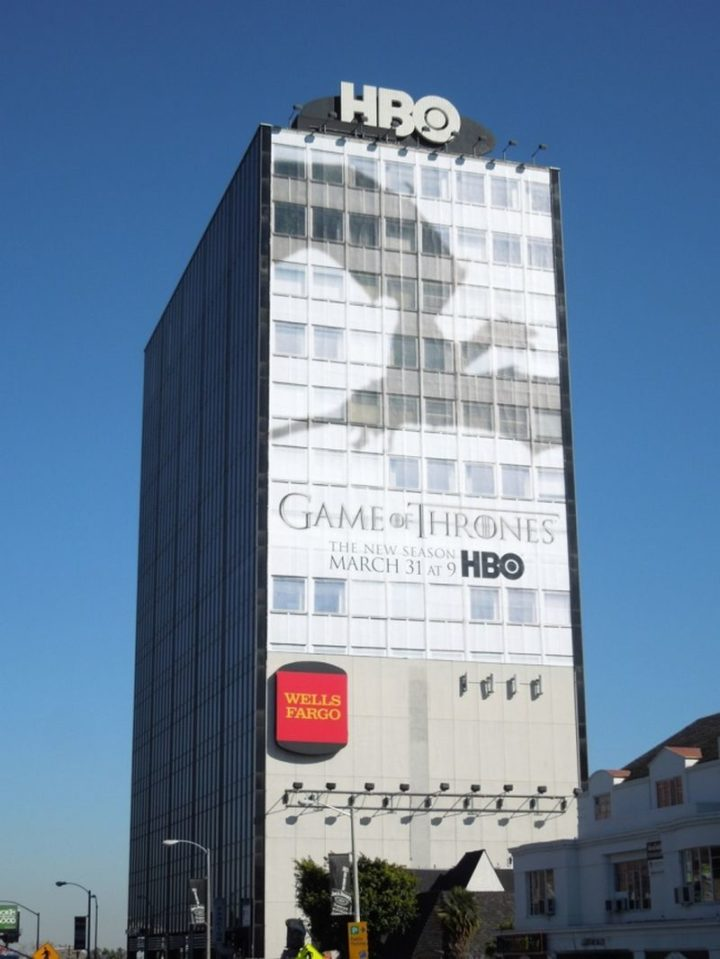 27 Awesome Billboards - HBO's magnificent billboard provides the illusion of a flying dragon's shadow.