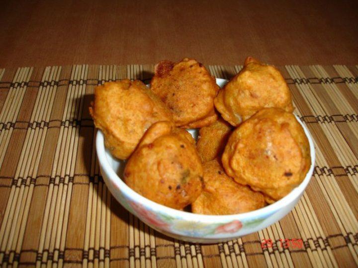 35 Indian Appetizer Recipes - Potato Bonda.