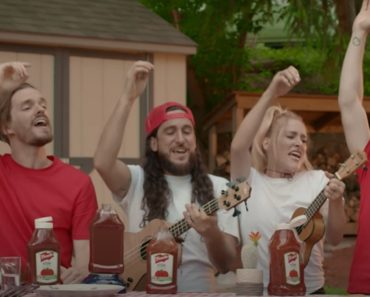 """Walk off the Earth Perform an Epic Rendition of """"O Canada"""""""