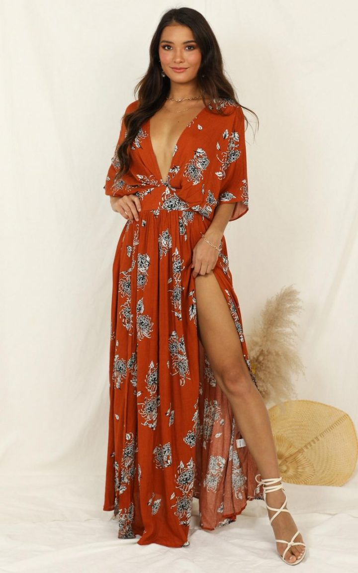 Try out the indie aesthetic. Go for maxi dresses with cool prints and patterns.