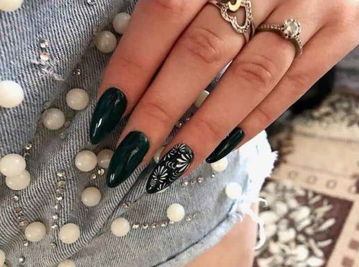 Extraordinary glossy nails perfect for an evening out.