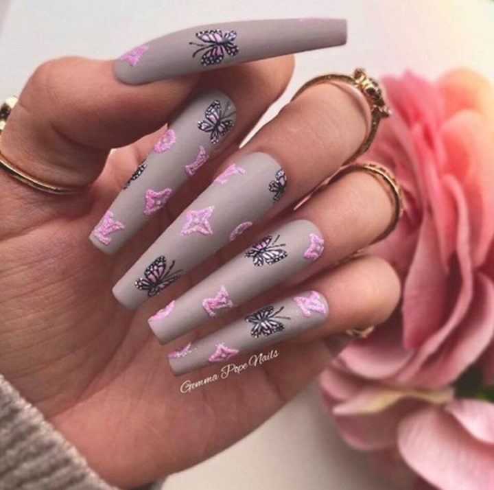 Grey Butterfly Nails.