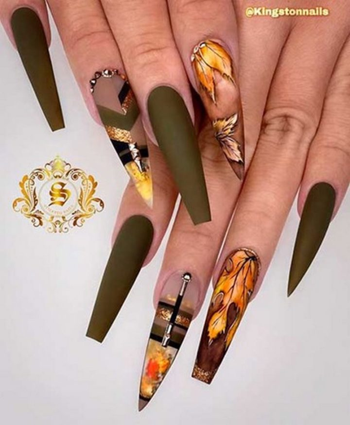 Nature-Friendly Olive Green Nails.